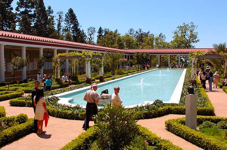 OuterPeristyle_ReflectingPool_GettyVilla_HS3542
