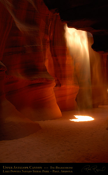 Antelope_Canyon_Beam_X2515