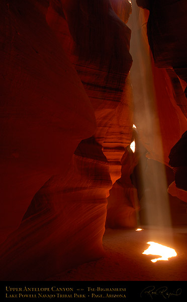 Antelope_Canyon_Beam_X2564