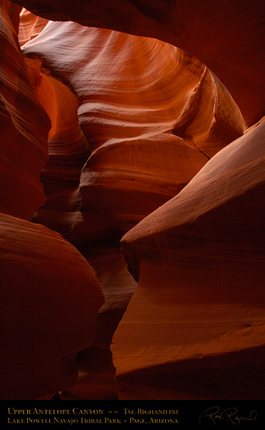 Antelope_Canyon_Chimney_X2504