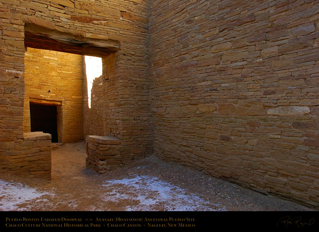 Pueblo_Bonito_T-shaped_Doorway_5104