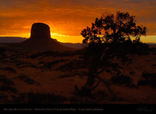 Monument_Valley_Sunset_Mitchell_Butte_X1683
