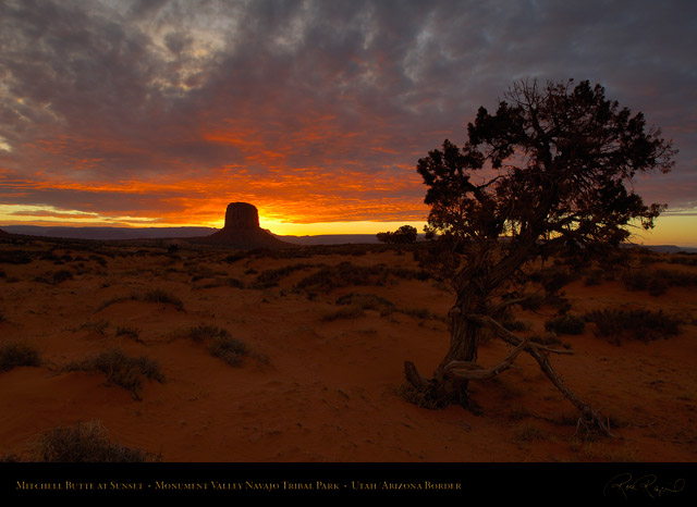 Monument_Valley_Sunset_Mitchell_Butte_X1690