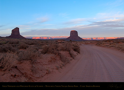 Monument_Valley_Buttes_at_Sunrise_X9923