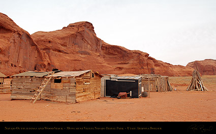 Monument_Valley_Navajo_Outbuildings_X1578