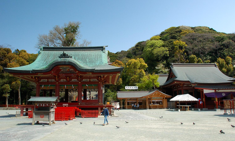 http://www.digital-images.net/Images/Japan/TsurugaokaHachimangu_Kaguraden_0632.jpg